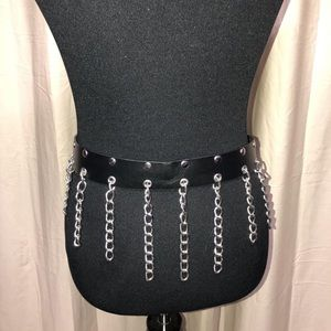 HOT TOPIC HANGING CHAIN LEATHER BELT MED (32-34)